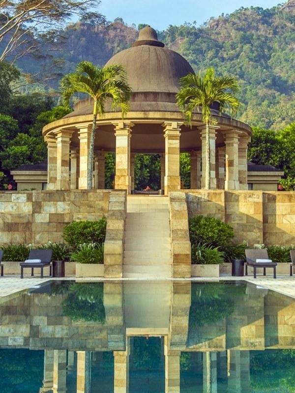 Java Borobudur Aman Luxury hotel