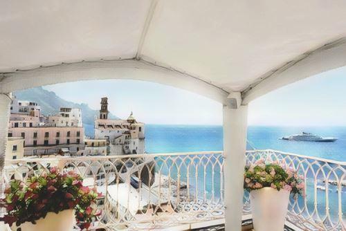 Italia-Amalfi-amalfi-palazzo-ferraioli0-low.jpg