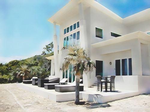 Bahamas-Eleuthera Island-eleuthera-island-sky-beach-club0-low.jpg