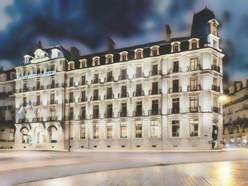 Francia-Borgoña-grand-hotel-la-cloche0-low.jpg