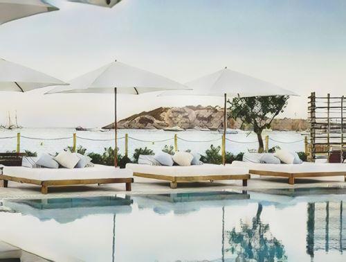 España-Ibiza-ibiza-nobu0-low.jpg