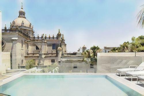 España-Jerez-jerez-hotel-bodega-tio-pepe0-low.jpg