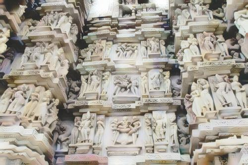 India-khajuraho0-low.jpg