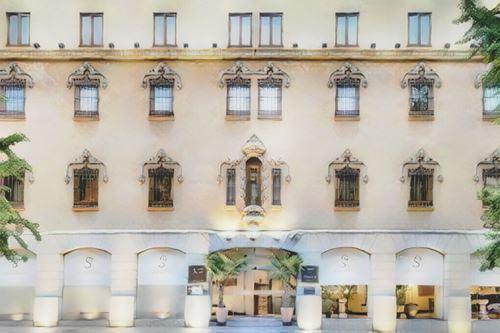 España-Granada-palacio-santa-paula0-low.jpg