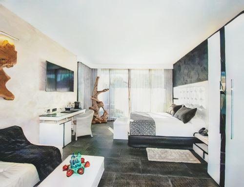España-Spain-suites-natura-mas-tapiolas-spain0-low.jpg