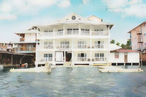 Panamá-Bocas del Toro-tropical-suites0-low.jpg